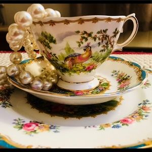Accessories - Vintage Royal Albert Bone China Teacup & Saucers